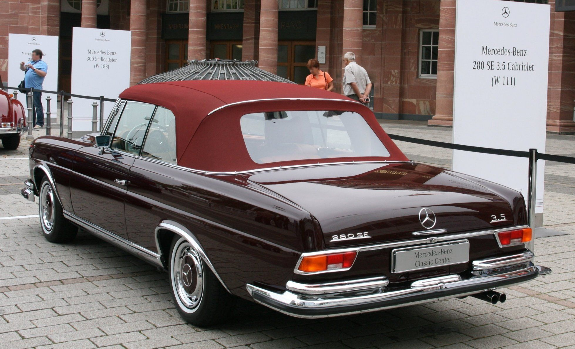 power cars mercedes benz 280 se 3 5 cabriolet w111. Black Bedroom Furniture Sets. Home Design Ideas
